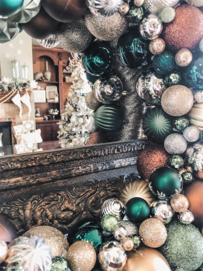 KRISTY-MASTRANDONAS-INTERIOR-DESIGN-STYLING-FLOWER-MOUND-TX-ELEGANT-WINTER-WOODLAND-CHRISTMAS-BALL-WREATH